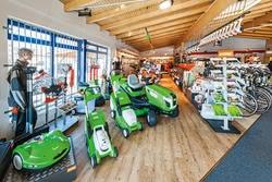 Innenansicht Zweiradhandel & Motorgeräte